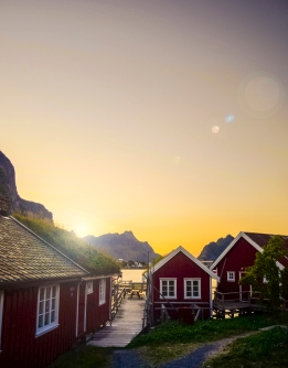 Red House Sunset Reine